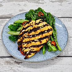 Chicken Breast, Super Greens, Broccoli & Chilli Sauce (Low Carb)