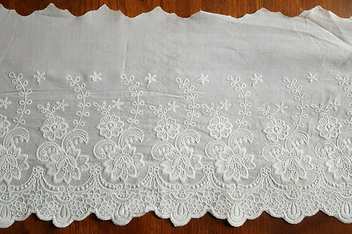 Embroidered cotton lace 22cm - B offwhite