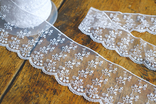 White embroidered flower lace 9cm