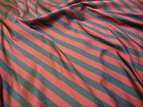 Stripe-red black