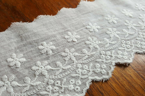 Embroidered cotton lace 7cm - C offwhite