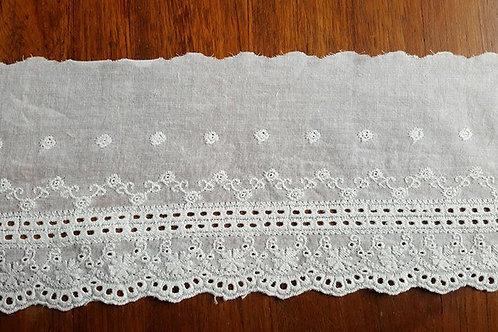 Embroidered cotton lace 12cm - D offwhite