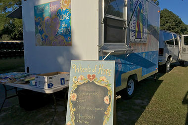Trailer with sign fo healthy meals.
