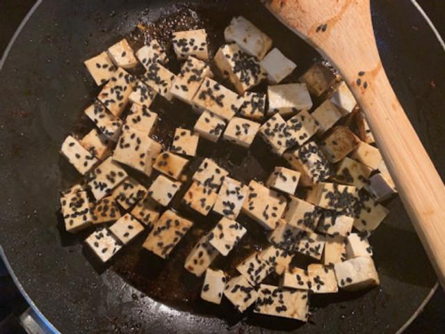 Tofu con sesame