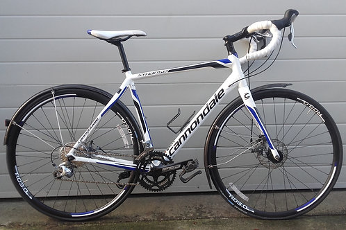 2015 Cannondale Synapse Disc 54cm Road Bike