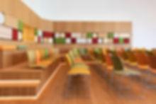 Casala refurbished Curvy stoelen en Lynx zitschalen bij Goede Doelen Loterijen te Amsterdam.