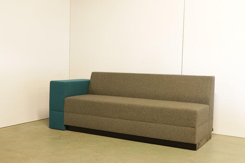 Bricks sofa with armrest / 1X