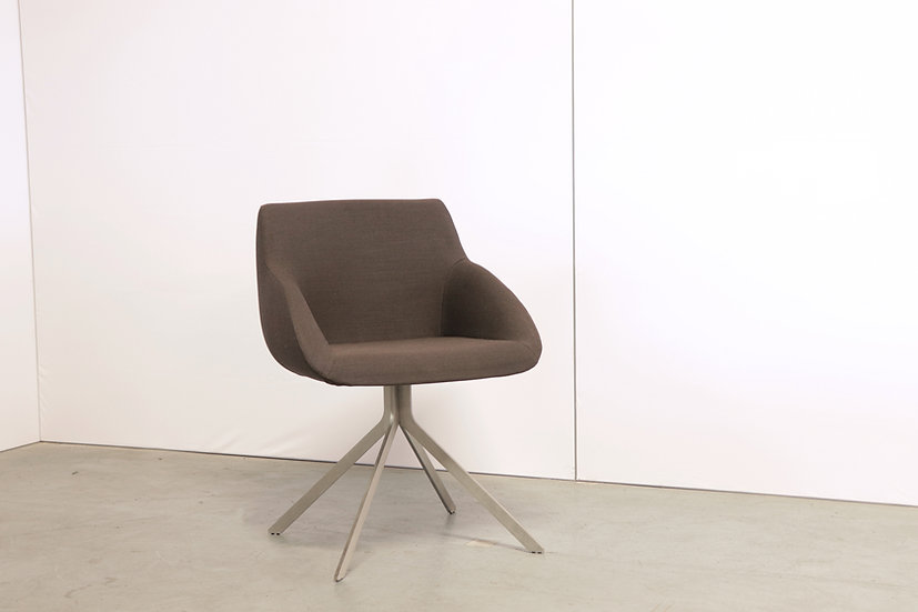 Blue conference chair / 1X
