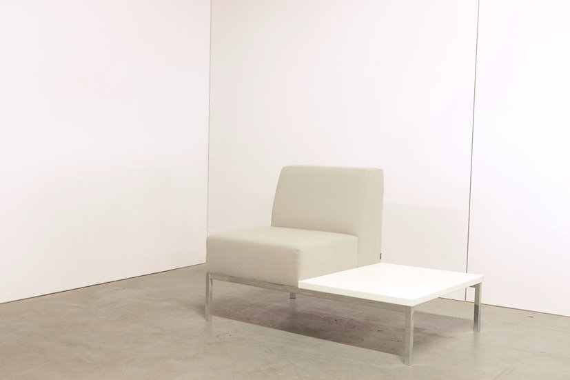 Bricks 1-seater with table / 1X
