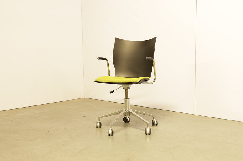 Onyx IV chair / 6X