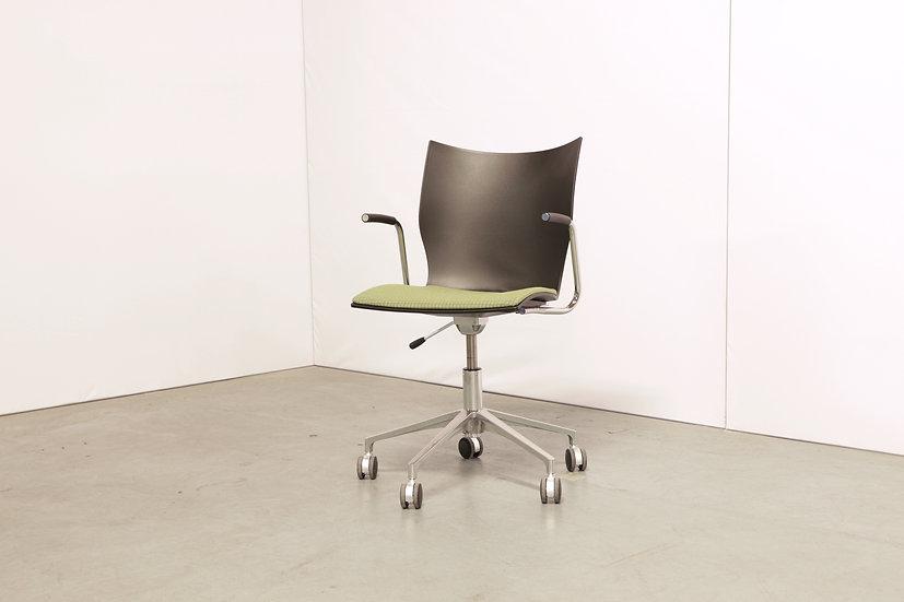 Onyx IV chair / 6X