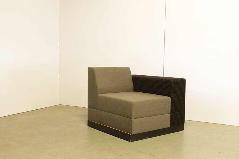 Bricks armchair with armrest lounge version / 1X