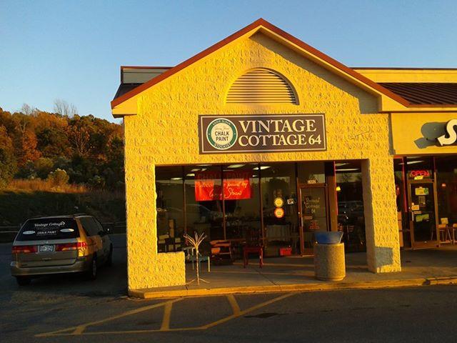 Vintage Cottage 64