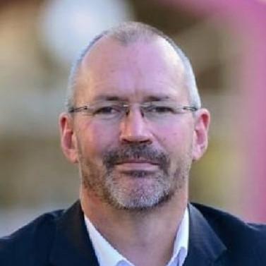 Mr Peter Hutton