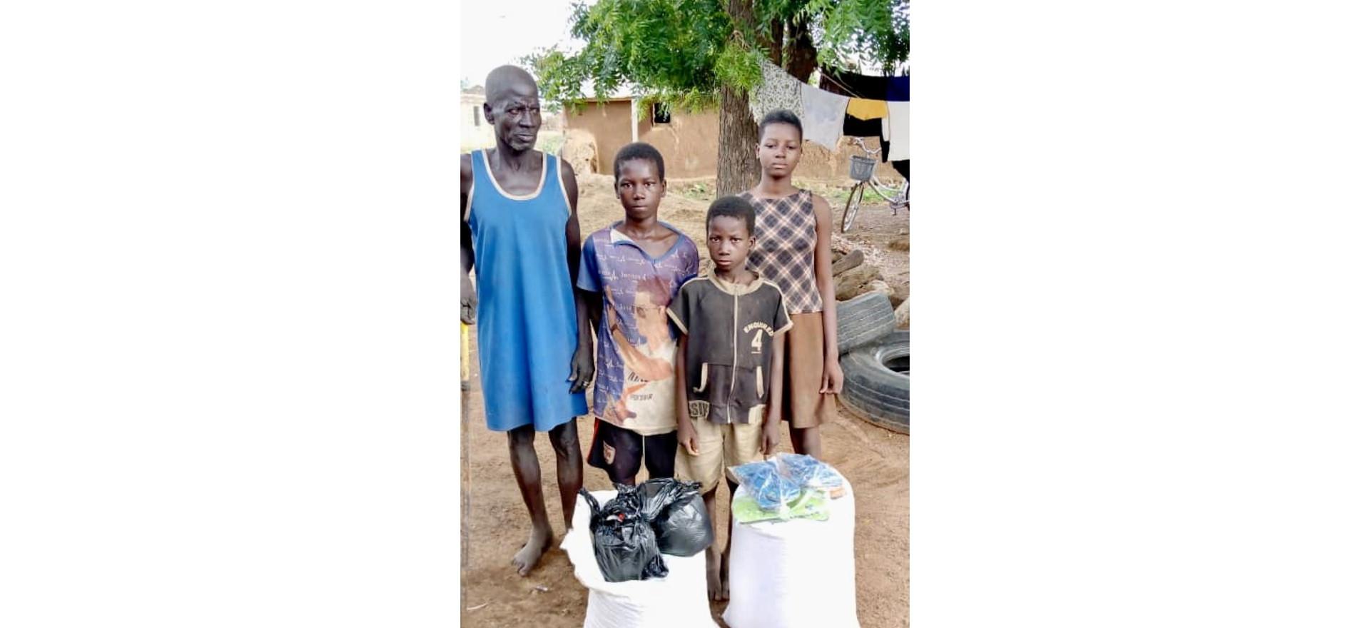 Apisikaap and children