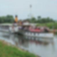 IMG_1728_Schiff in der Hafeneinfahrt.JPG