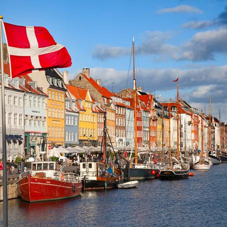 Der dänische Gast auf Reisen