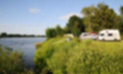Camping an der Elbe, Urlaub in der Natur mit herrlicher Landschaft nahe Hamburg.