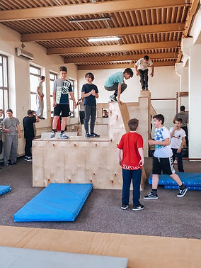 Parkour Training in Hall Of Parkour Hungary for under 14