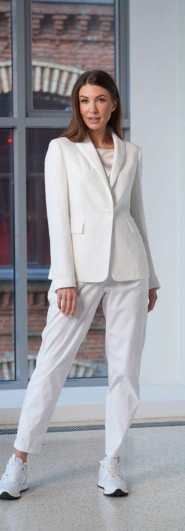Женский белый пиджак 2001