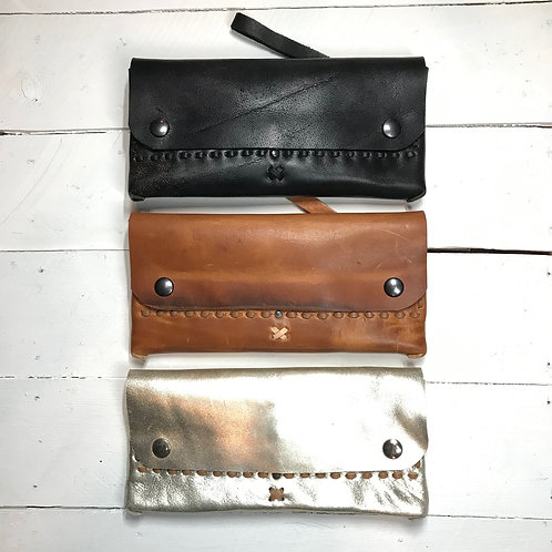 CLASSIC TRAVEL WALLET £85