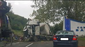 Grav accident rutier pe DN66 la intrare în comuna Bănița