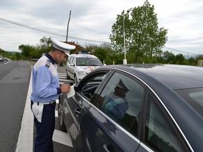 Şoferi băuţi sau fără permis de conducere, prinşi în trafic de poliţiştii hunedoreni