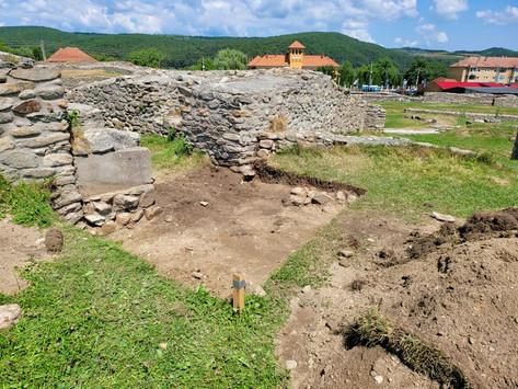 Au fost reluate săpăturile arheologice pentru proiectului Ulpia Traiana Sarmizegetusa (FOTO)