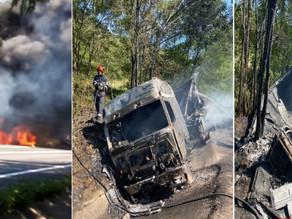 (VIDEO) TIR în flăcări pe drumul național Hațeg - Petroșani. Șoferul a ars de viu în cabină