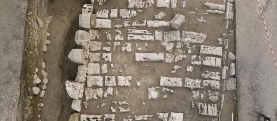 Imagini cu descoperirile arheologice din Sarmizegetusa Regia