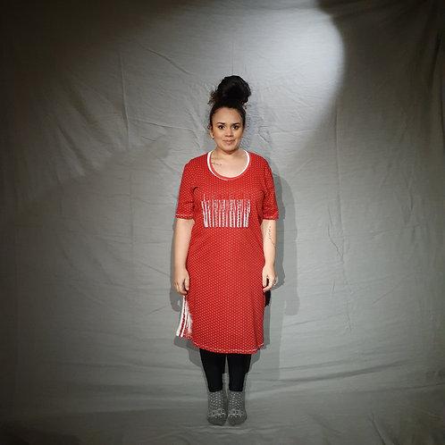 Vestido poá vermelho | Sobre o Tempo