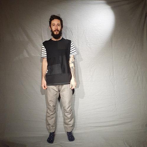 Camiseta composição p/b e listras