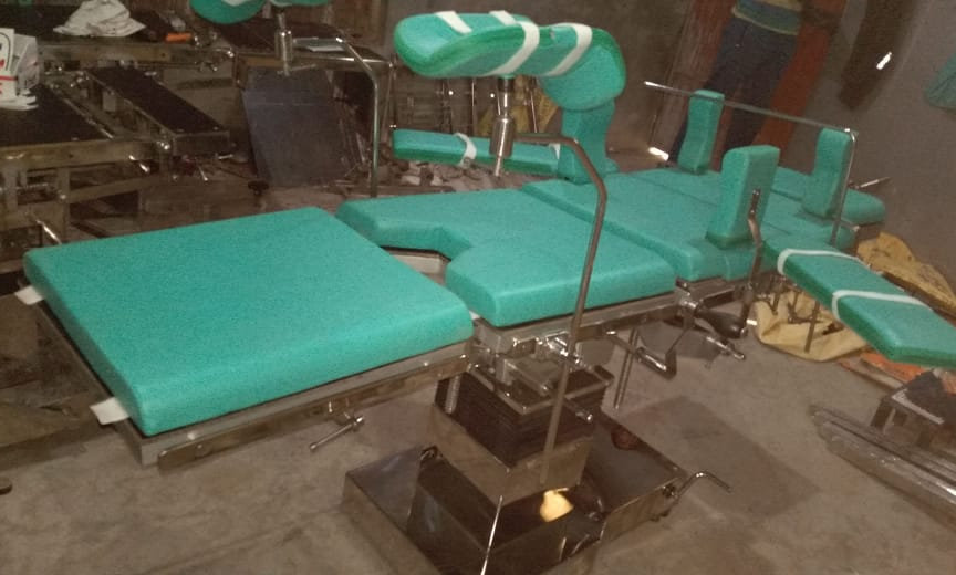 Super Deluxe Hydraulic OT Table (T-Base)