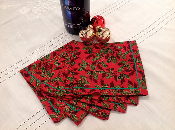 6x Red Holly Fabric Chistmas Table Napkins