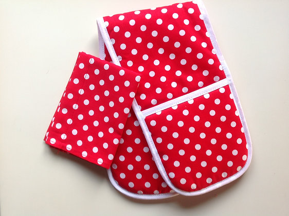 Red Spotty Toy Oven Gloves and Tea Towel