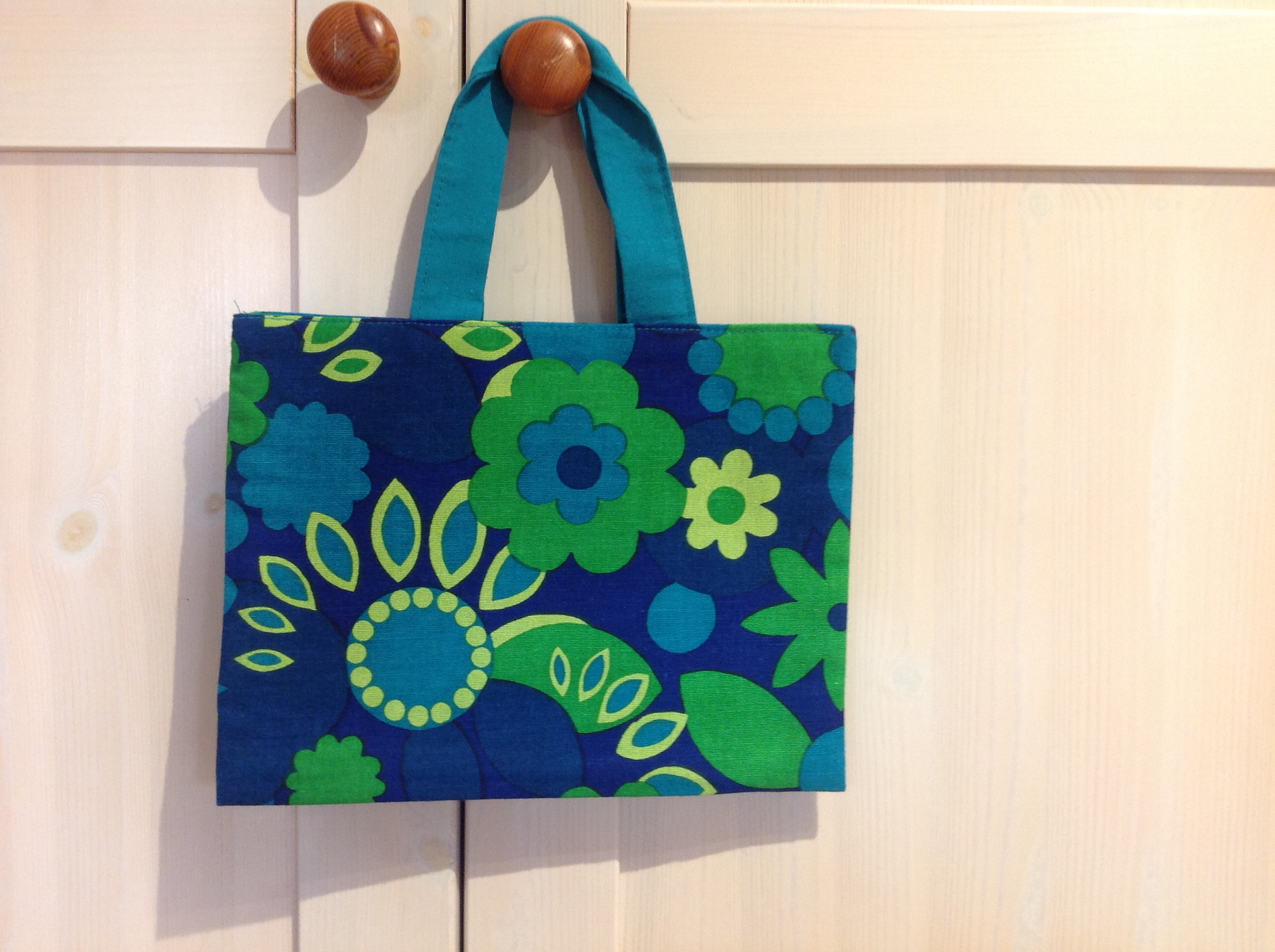 Childs Retro Blue & Green Bag