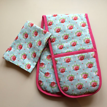 Turquoise Roses Toy Oven Gloves and Tea Towel