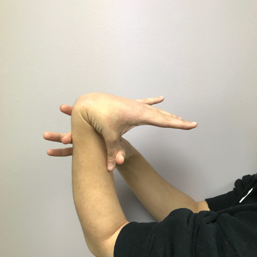 Thumb to wrist test