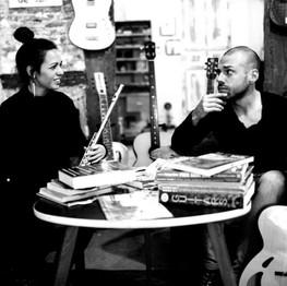 Grabación junto a Jaby Sánchez en Headbanger Rare Guitars. Foto realizada por Pau C. Marcos.