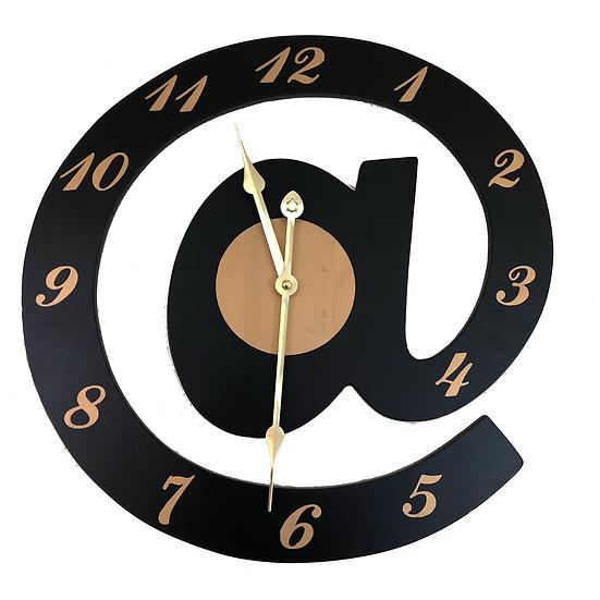 """@ 16""""Quartz wall clock"""