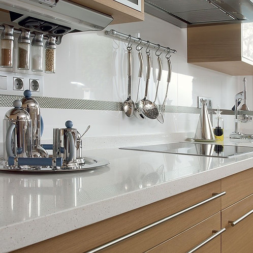 WHITE POLISHED PORCELAIN 600X300