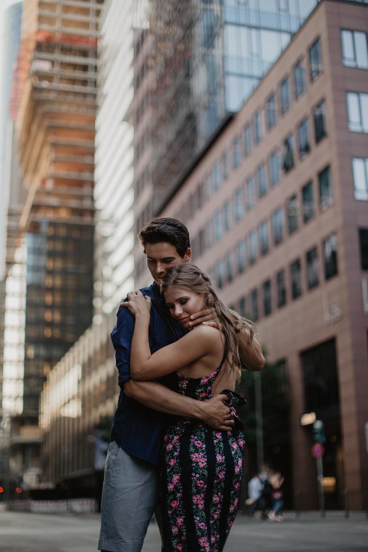 Romantische Paarfotos im Herz von Frankfurt