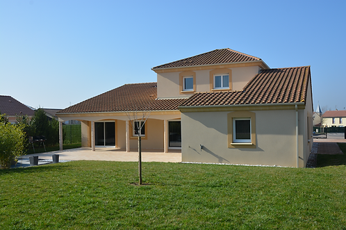 Charly-Oradour / Villa