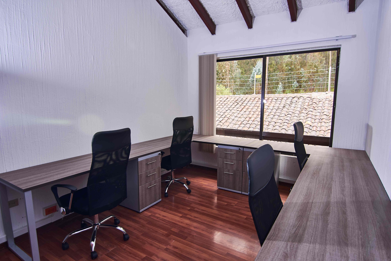 Oficinas privadas para 4 personas