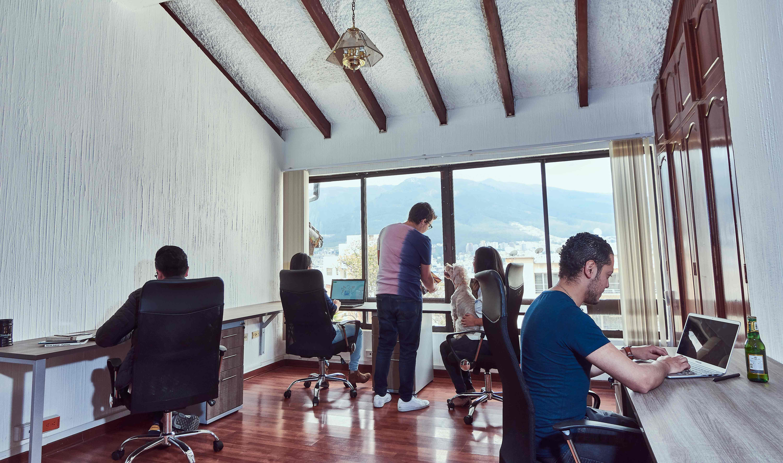 Oficinas privadas para 4/5 personas
