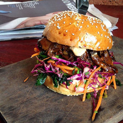 W E E K E N D  ! ! !  Smoked mushroom burger with house made whiskey BBQ sauce, red cabbage and kale