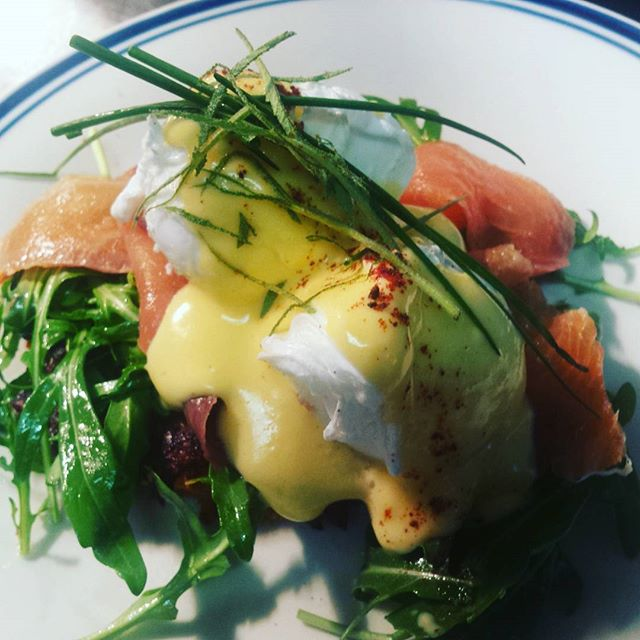 Yummy breakfast special , smoked salmon,  poached eggs and hollandaise on sweet potato rosti_#breakf