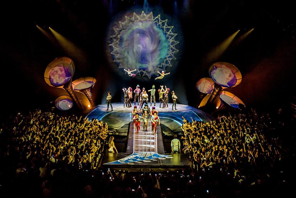 """Un adiós porteño: Cirque du Soleil despide """"Séptimo día"""", el tributo a Soda Stereo, en el Luna Park Después de una gira nacional e internacional, regresa a Buenos Aires con un show renovado."""