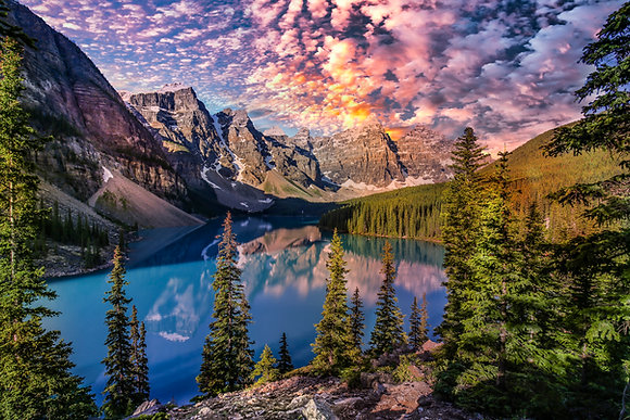 Dotted Clouds - Moraine Lake