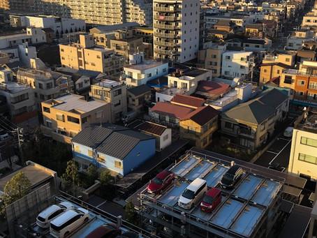 El primer ministro japonés declara un mes más el estado de emergencia
